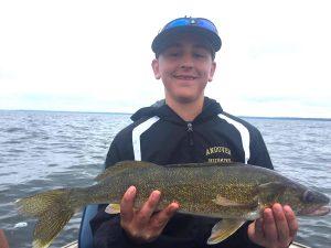 lake winnie walleye